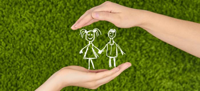 benjaminorhpans.com Δύο χέρια προστατεύουν παιδιά, ορφανά | YouBeHero