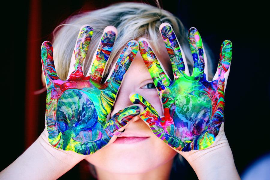 bevisiblebeyou.org έχει ως κύριο μέλημα την καταπολέμηση των στερεοτύπων της διαφορετικότητας και την εξέλιξη του ατόμου | YouBeHero