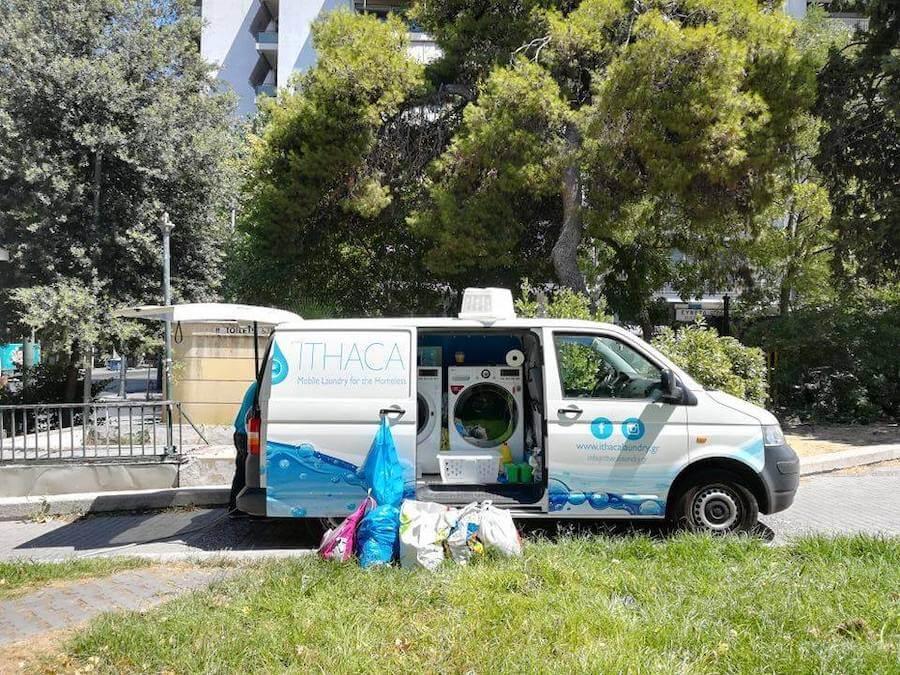 ithacalaoundry.gr κινητό πληντύριο για άστεγους σε φορτηγό transporter vw και πληντύρια της LG | YouBeHero