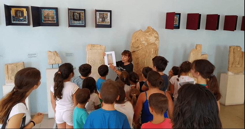 katheti.gr αρχαιολογικό μουσείο Πόρου παιδιά  | YouBeHero