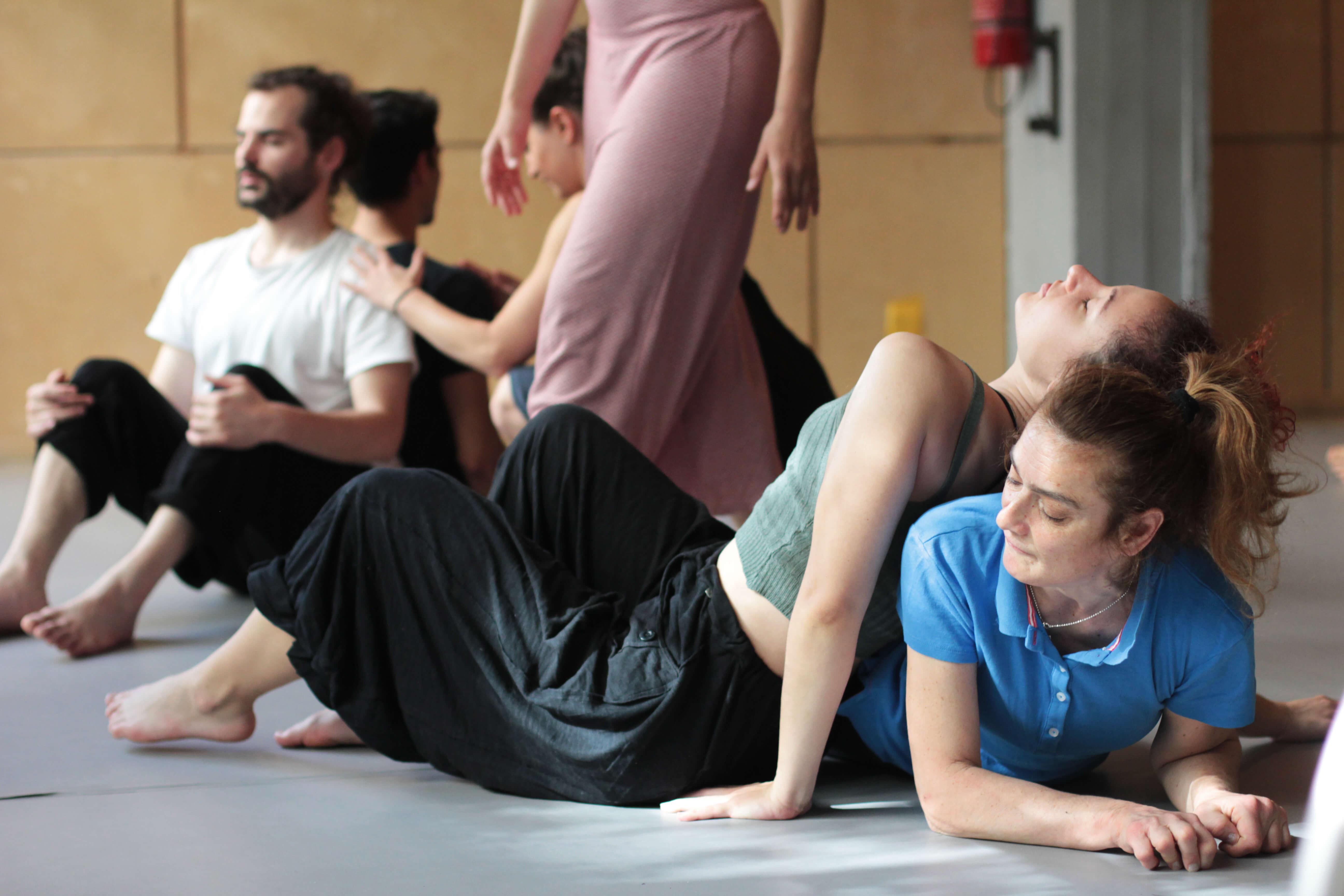 kymaproject χορός στο πάτωμα με ή χωρίς αναπηρίες | YouBeHero