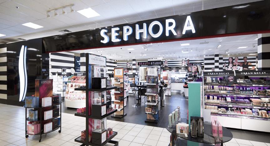 Τα καταστήματα Sephora είναι όμορφα, ζεστά και φιλικά ως προς τον καταναλωτή! Σε αυτά, μπορείς να περάσεις όσο χρόνο θέλεις δοκιμάζοντας τα αγαπημένα σου είδη καλλυντικών και αρωμάτων | YouBeHero