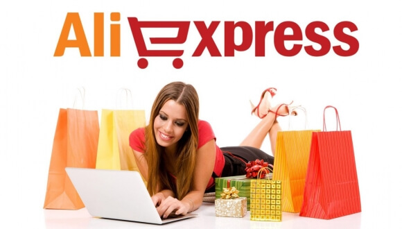Γυναίκα κάνει τα ψώνια της online απο το aliexpress.Ολα τα γυναικεία και παιδικά είδη σε προσφορά | YouBeHero