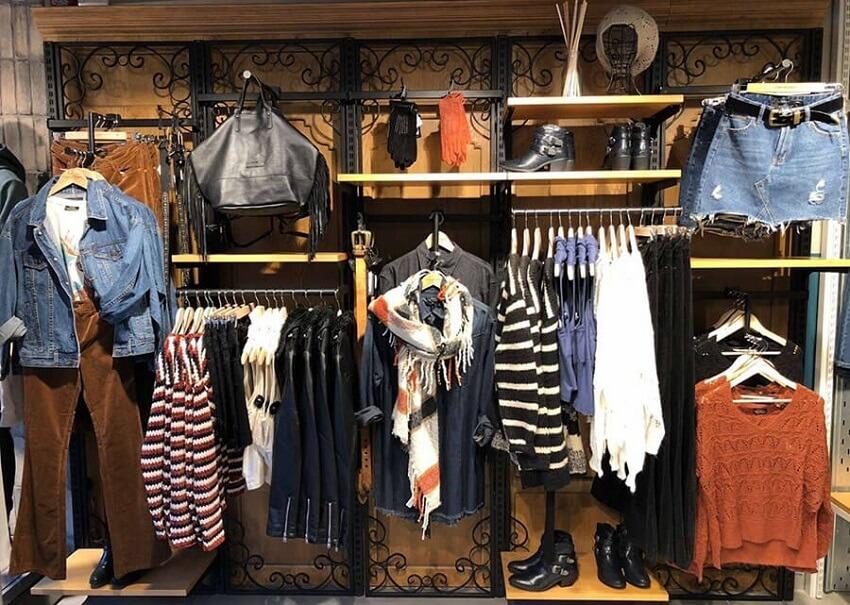 Στο funky-buddha.com θα βρεις γεμάτες βιτρίνες με γυναικεία jean, φούστες, ζακέτες, πουλόβερ, κασκόλ, παπούτσια, τσάντες και γάντια  | YouBeHero