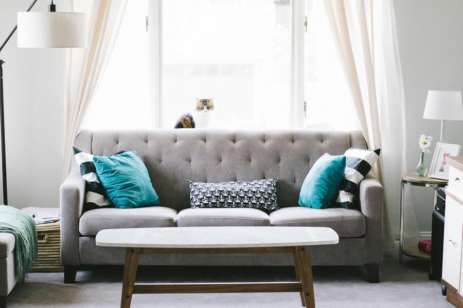 Στο spitistalefka.gr θα βρεις πολυθρόνες, καρέκλες, ντουλάπια, παπουτσοθήκες καναπέδες, μαξιλάρια, κουρτίνες για το σαλόνι | YouBeHero