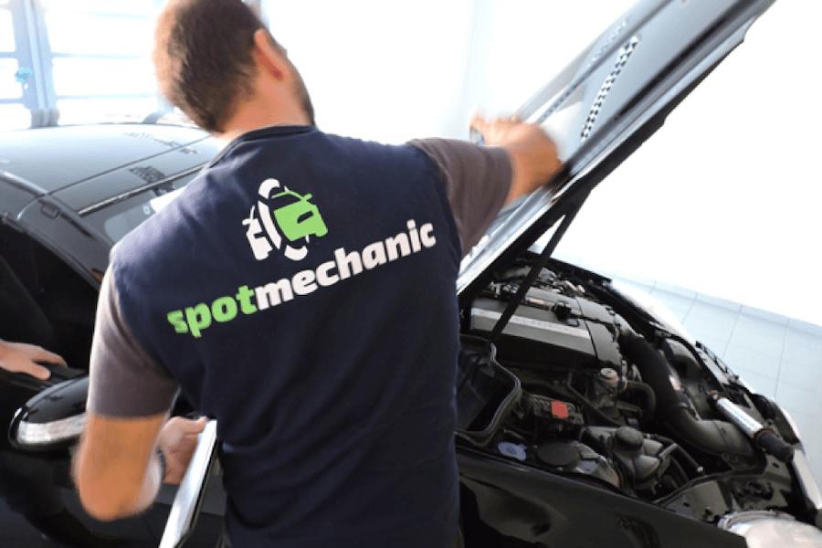 Spotmechanic.gr μηχανικός σε επιτόπιο έλεγχο αυτοκινήτου για οπτική γνωμάτευση και τεστ με εξειδικευμένου εξοπλισμού | YouBeHero