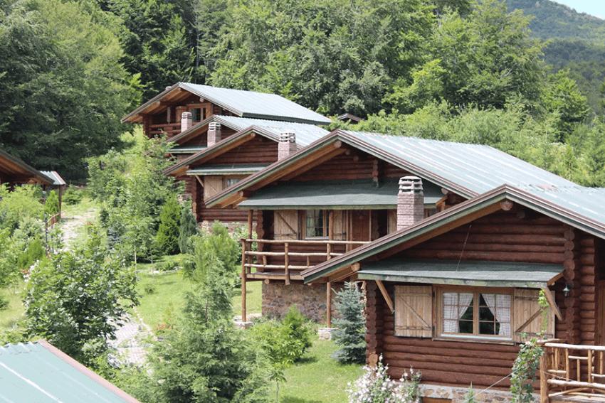 Στο xenodoxeio.gr θα βρεις εκπτώσεις σε ξύλινα σπιτάκια στο βουνό με τζάκι για χειμερινές αποδράσεις στην καλύτερη τιμή| YouBeHero