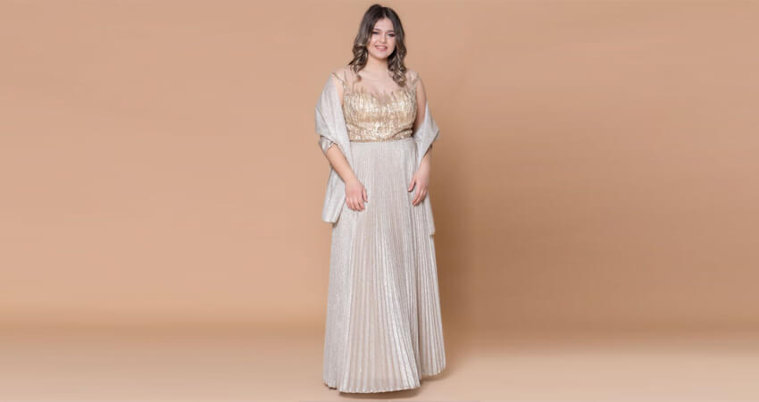 Maxi φόρεμα κεντημένο με πέτρες σε χρυσό χρώμα